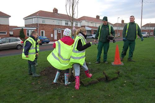 Washingwell School tree planting Dev 09 no 17