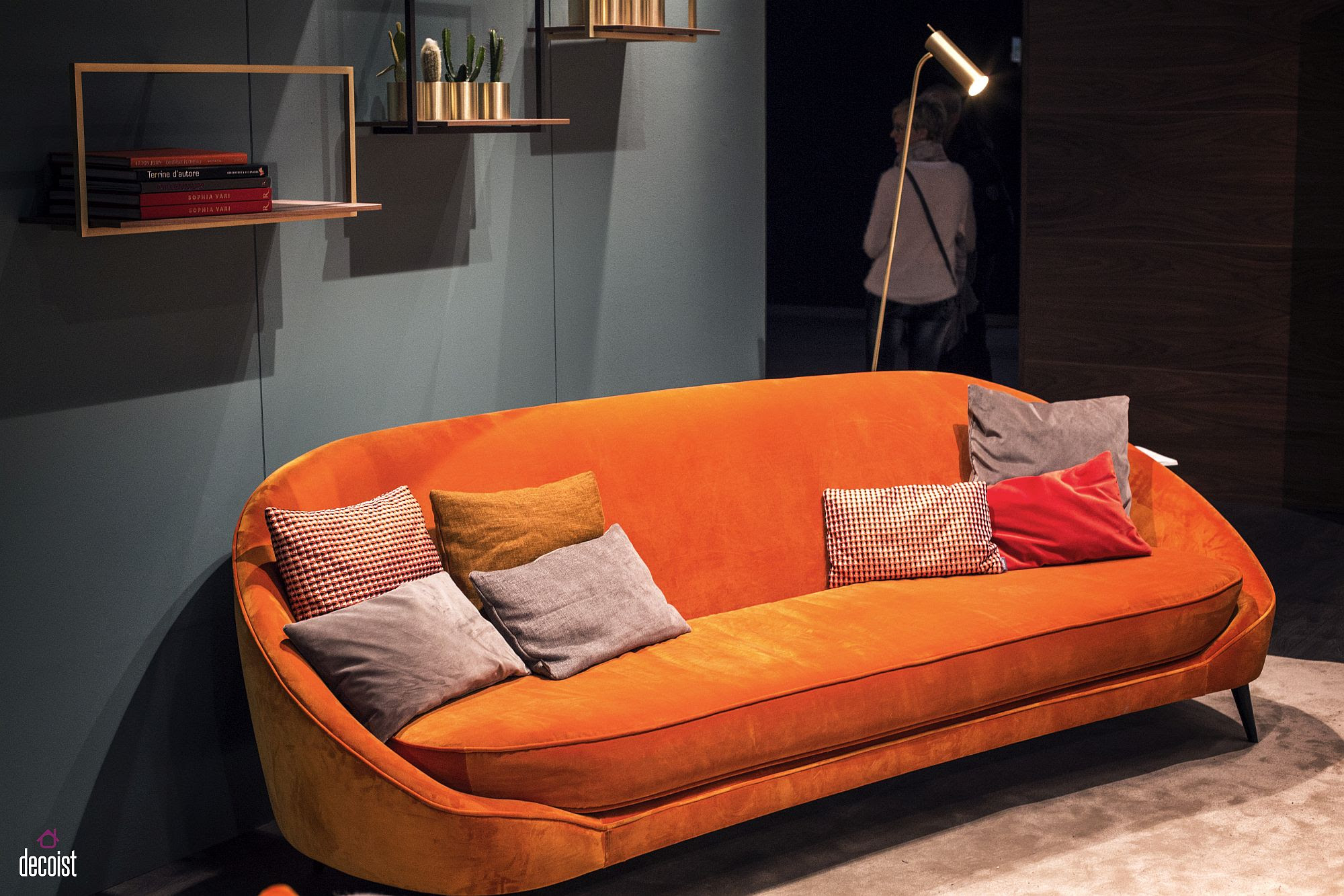 Bright And Comfy Sofas That Add Color To The Living Room