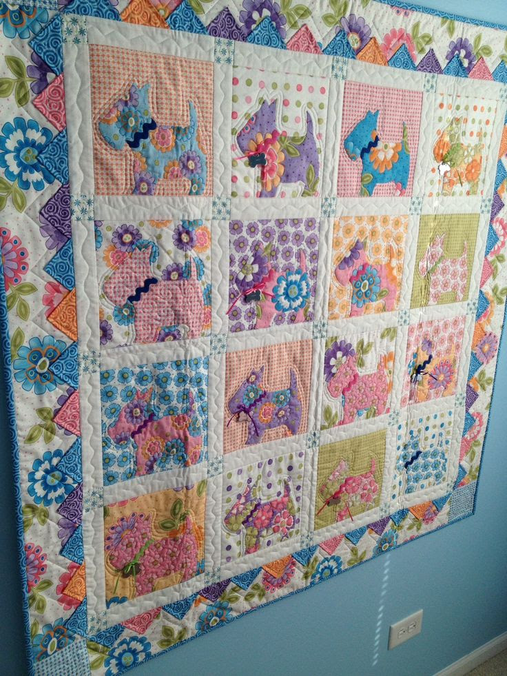 Daisy's quilt #puppyquilt #scotties #handapplique #borders