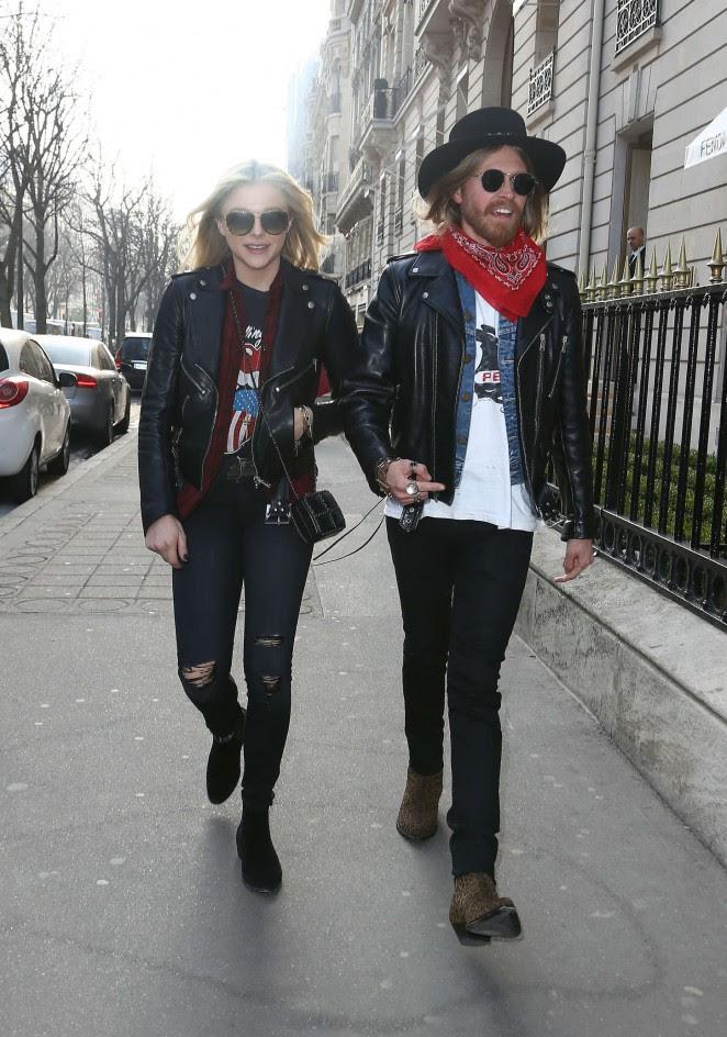 Chloe Moretz: Shopping Yves Saint Laurent -11