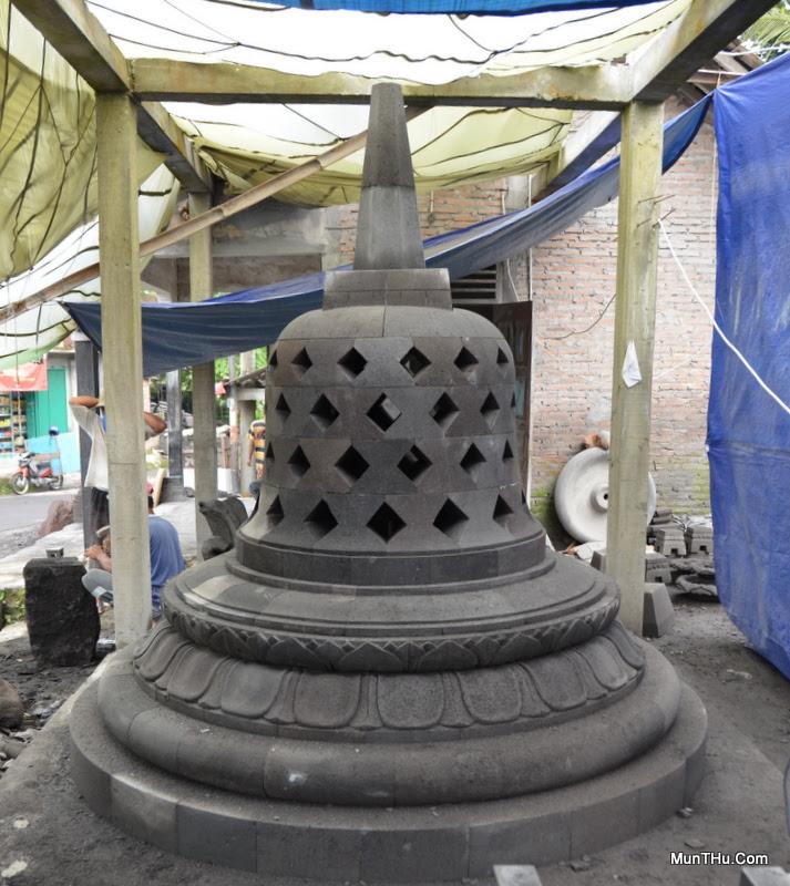 Pembuatan Stupa Candi Borobudur Seni Pahat Batu Alam Merapi Munthucom