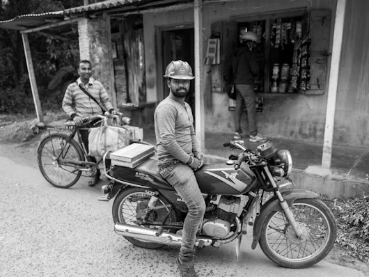 Shops in India with my Leica Q By SAB Photo – Steve Huff Photo