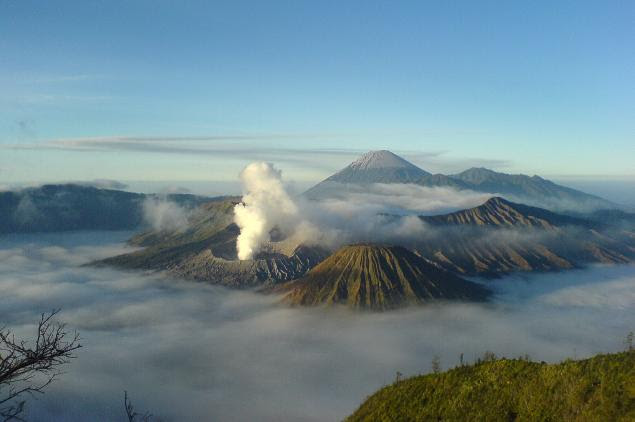 Mount Bromo ( Indonesian ) - The Good Place For Holidays