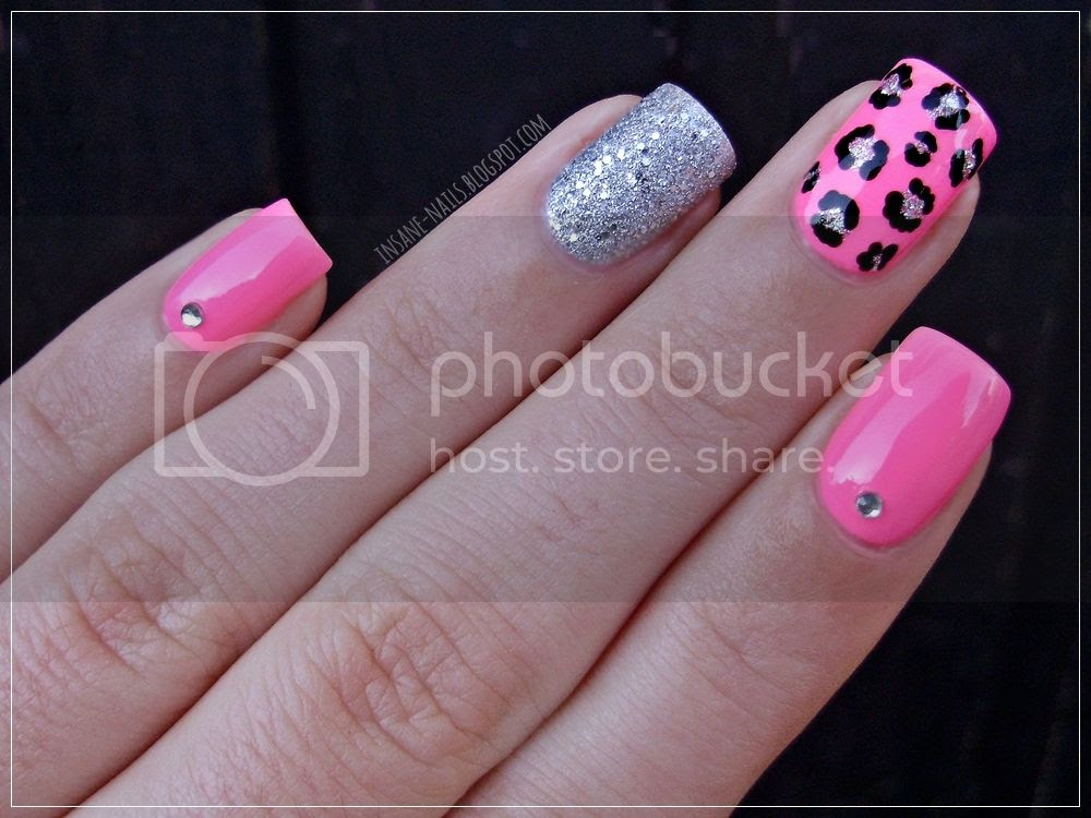 photo matching-manicures-animal-print-3_zpscczvt4mq.jpg