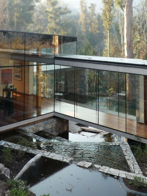 House in Lo Curro Designed bySchmidt Arquitectos Asociados, the house is Located in Lo Curro hill in the capital of Chile, Santiago. The site, long and with gentle slope, is covered with a forest of eucalyptus trees planted 30 years ago