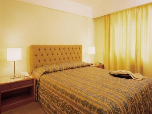 Transamerica Classic La Residence Reviews