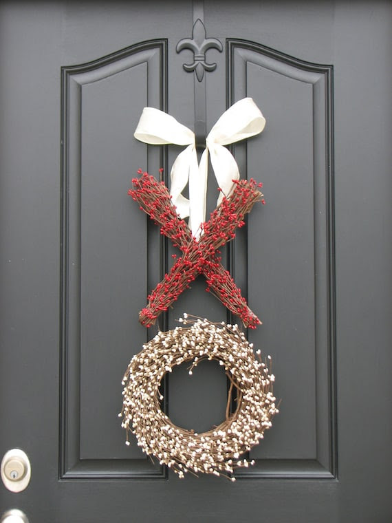 Reserved for JerriLynne - Berry Wreath - Valentine's Day Wreath - Kisses and Hugs - XO - Holiday Wreath