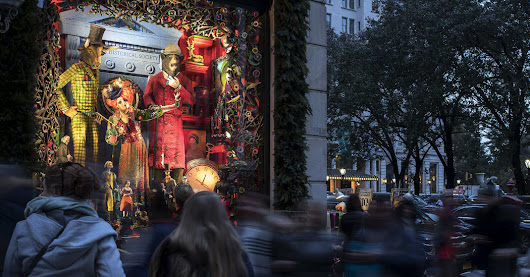 The Fabulous Holiday Windows of London, Paris, Berlin and New York City - The New York Times