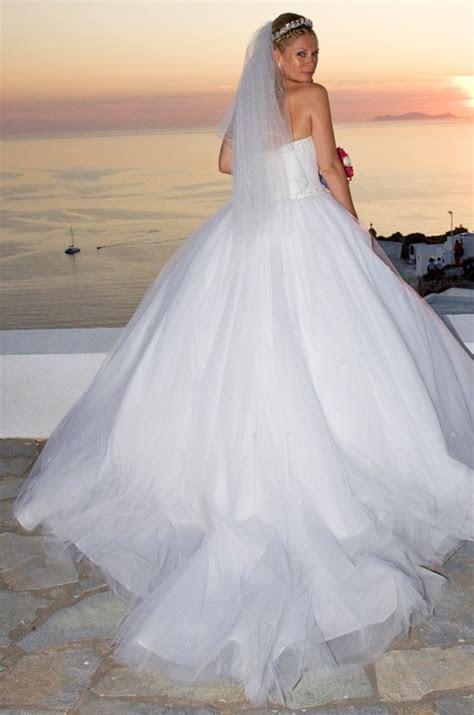 Wedding Dress with long veil #Santorini weddings   Wedding