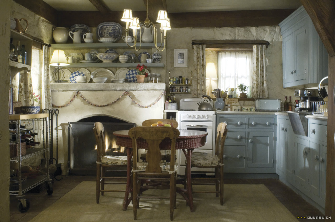 Cosy Christmas Cottages : Decoration of English style ...