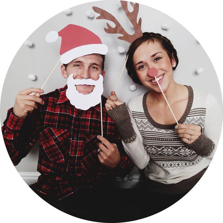 Christmas Card Photos a cute idea!