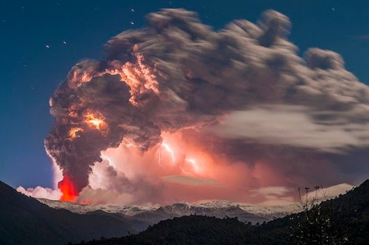 Incredible Photos of Spectacular Volcanic Eruption in Chile, Lighting Storm Included