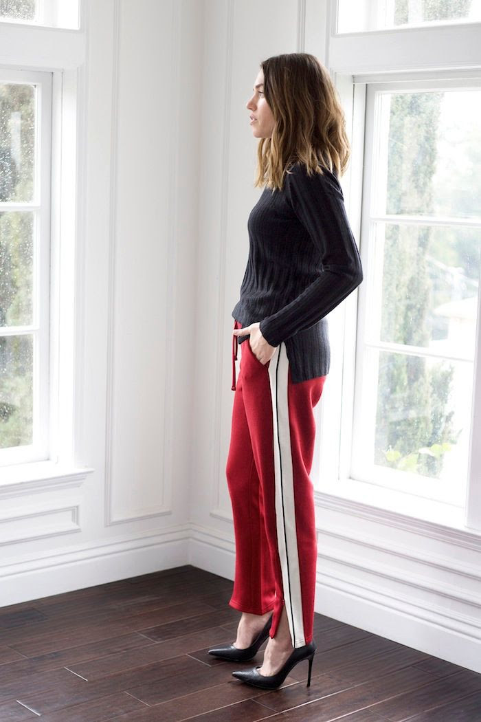 4 Biggest Winter Trends Black Sweater Side Stripe Pants Black Pumps Wavy Bob Hairstyle Erin Pederson Nicole Carbone Le Fashion Blog