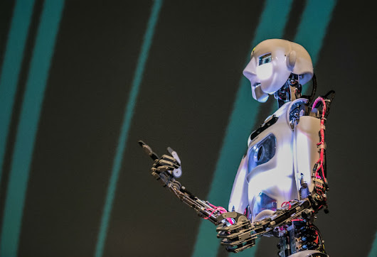 The robots are coming, but they won't look like us – Una Sinnott
