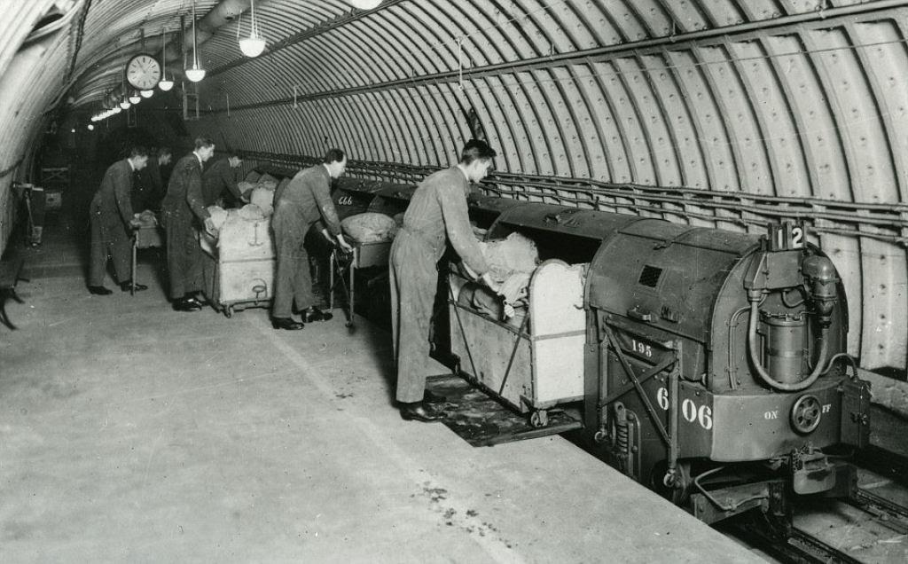 O correio ferroviário subterrâneo de Londres 06