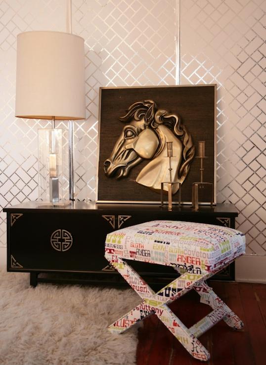 Suzie: Vanessa de Vargas Turquoise LA  Fantastic vintage living room design with glossy black ...