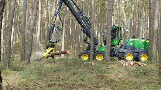 John Deere 1170G 8WD goes Gray with IBC and ADC | Forestry.com