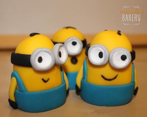 Despicable Me Minions Birthday Cake for Simon 5