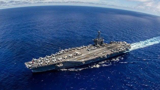 """El portaviones nuclear USS """"George Washington""""  en aguas del Caribe por la inauguración de dos bases gringas en el Caribe, América Central y América del Sur."""
