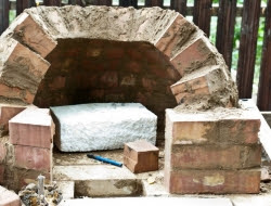 DIY Outdoor Kitchen and Pizza Oven - Wood fired oven's arch
