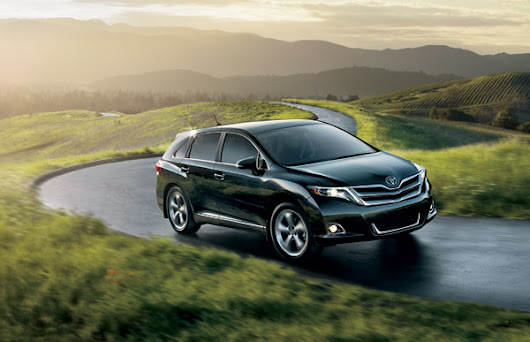 Bold Meets Fun & Versatile - The 2015 Toyota Venza