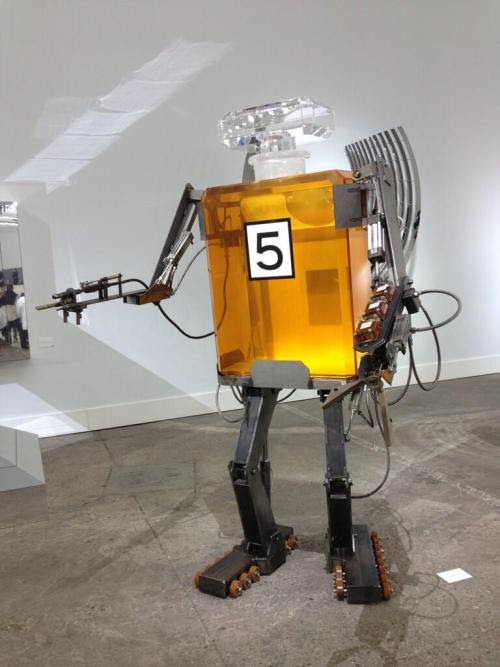 Chanel 5 Perfume Robot at the Chanel SS14 Runway show - When Industry technologies meets Fashion - Fanuc A98L-0031-0025