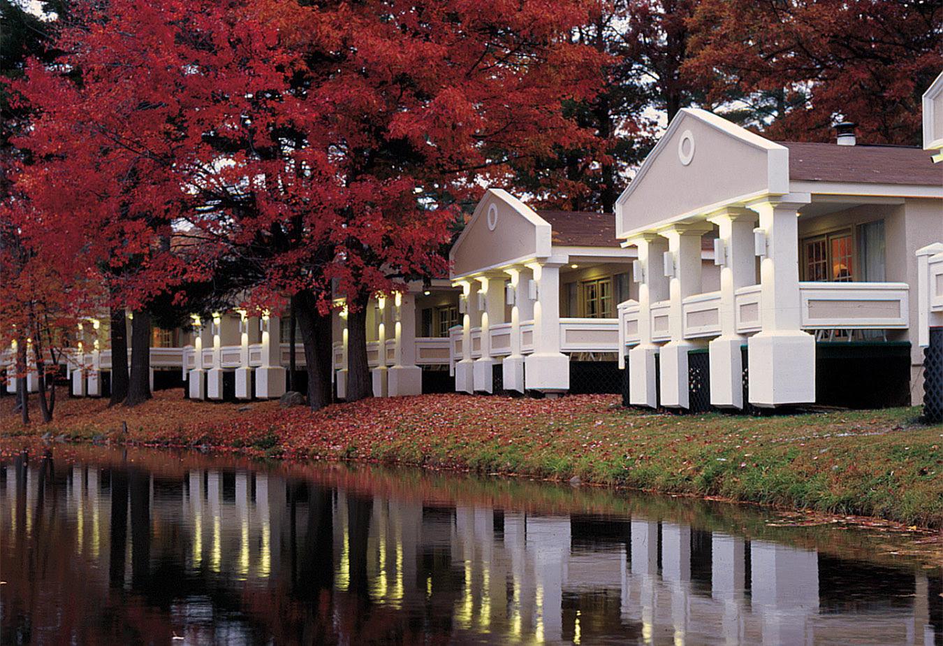 Romantic Escape in the Poconos  Cove Haven Resorts