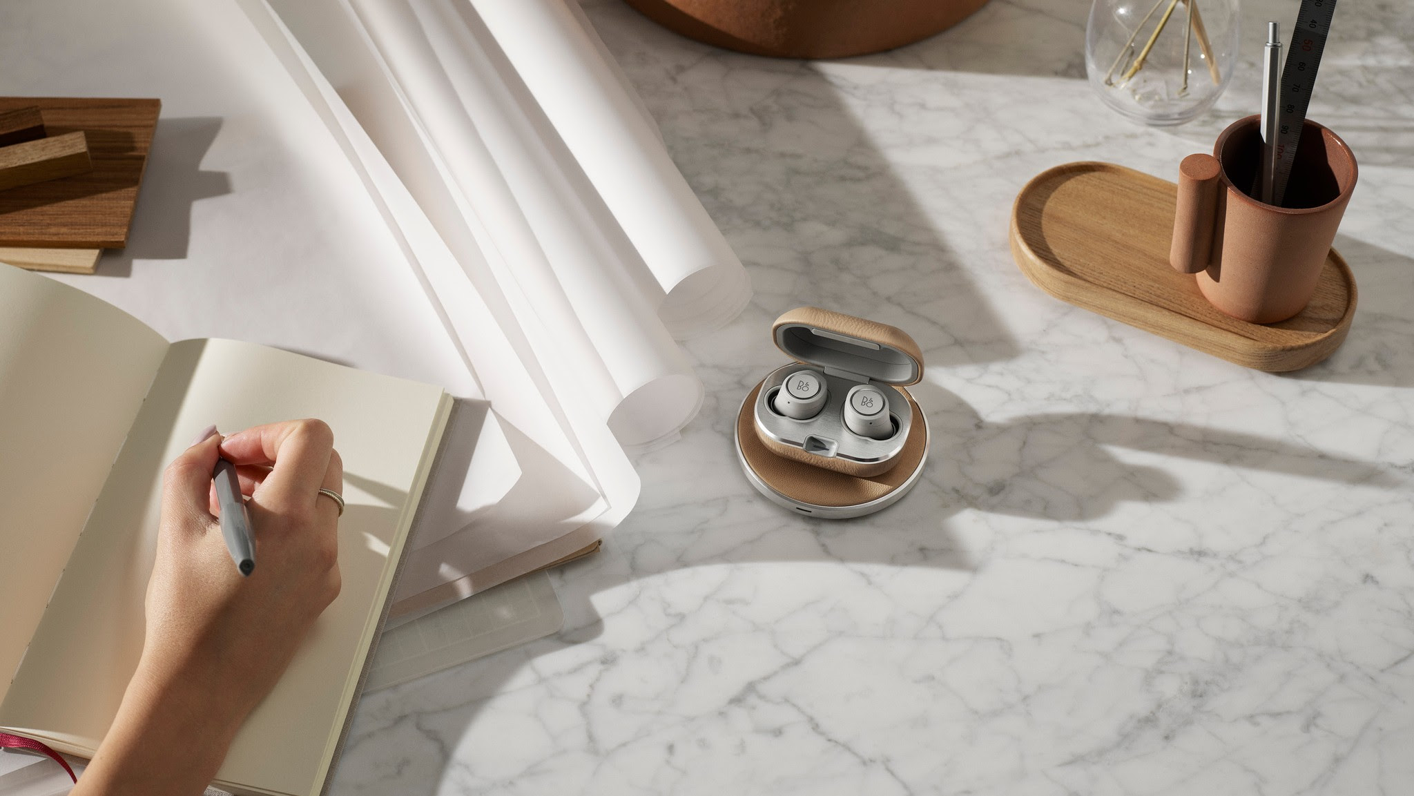 384742002be Beoplay E8 earbuds to get wireless charging upgrade this Valentine's ...