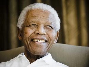 Retrato de Nelson Mandela feito em 2009 (Foto: AP)