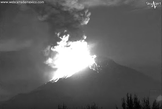 4/22 - Watch Something - Watch This Volcano Spew Lava Like King Kong
