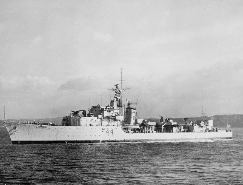 HMS Tenacious (F44) at anchor.jpg