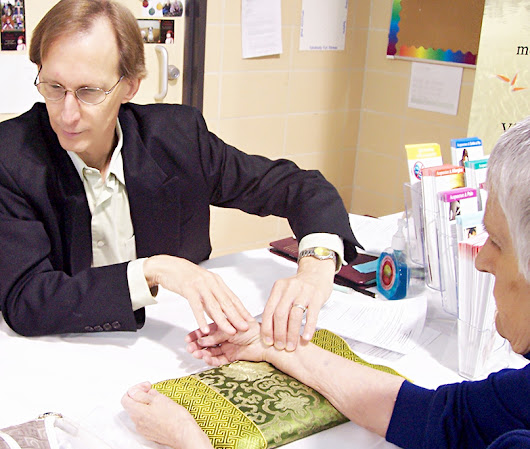 Free Chinese Pulse Diagnosis at Edina Acupuncture Clinic - Complete Oriental Medical Care