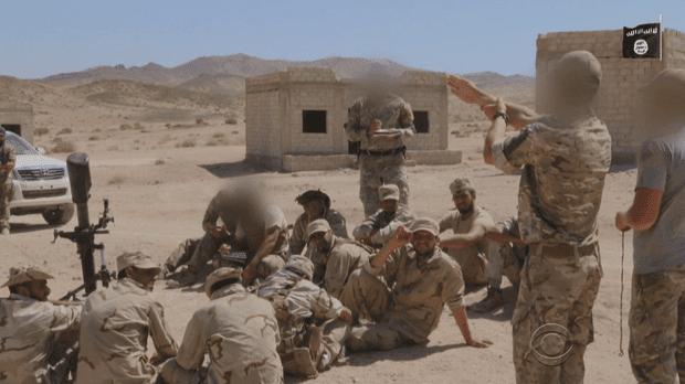 Un video dipropaganda dell'IS mostra i terroristi addestrato da commandos Usa.