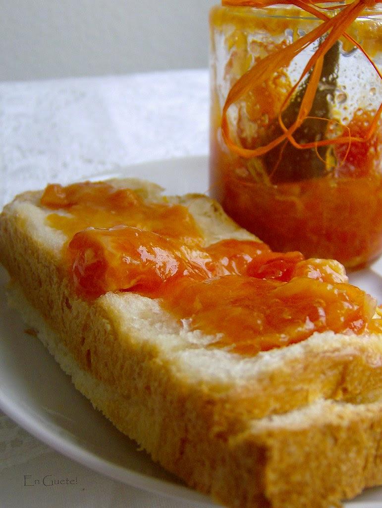 Pan con buttermilch y mermelada de kunquats