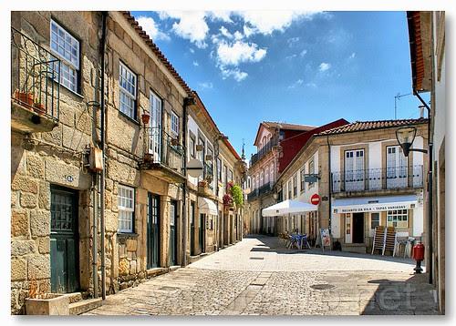Rua de Vila Nova de Cerveira by VRfoto