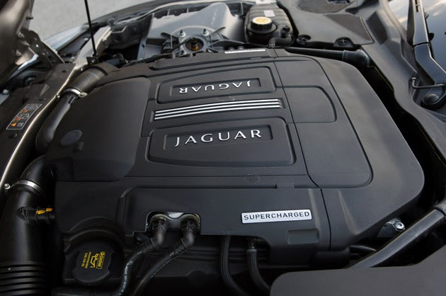 2011 Jaguar XKR Convertible engine
