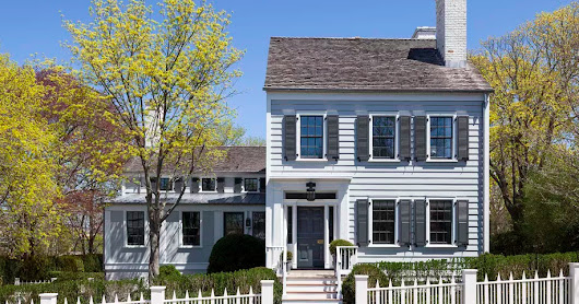 Restoring a historic house: 8 tips and tricks before getting started