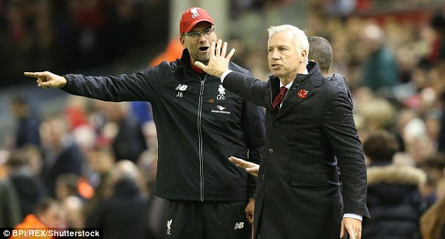 Klopp also had a row with Crystal Palace manager Alan Pardew, who showed him the 'talk to the hand' gesture