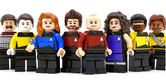Wil Wheaton's Not Laughing At Funny Unofficial Star Trek Minifig