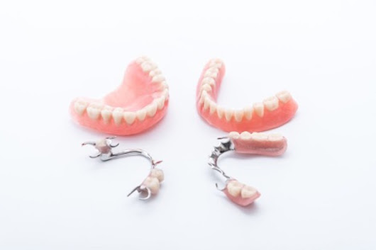 Houston Dentist Helps Separate Fact from Fiction About Replacement Dentures