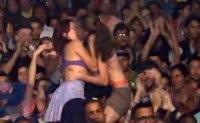 Jovens que foram presas sob ordem de Feliciano por se beijarem em culto perdem ação na Justiça
