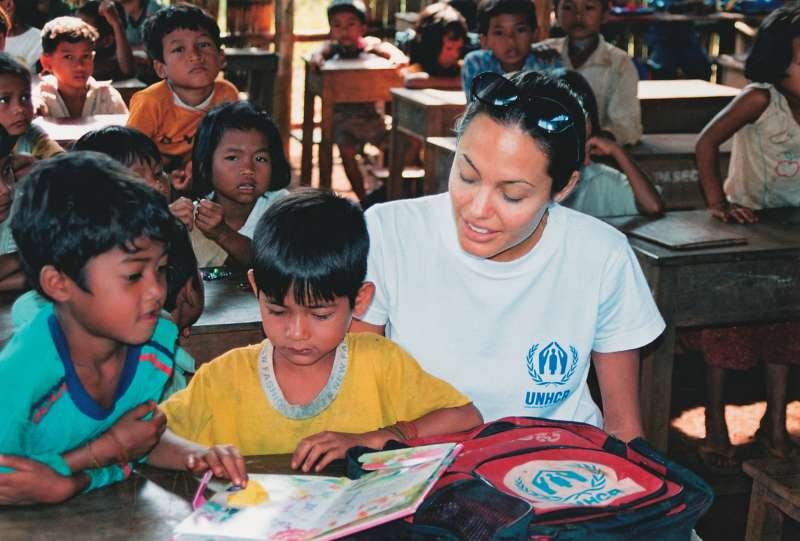 http://angiesrainbow.com/site/images/unhcr/cambodge-2001-01.jpg
