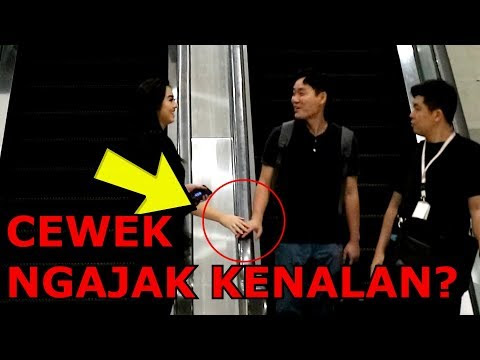 VIDEO PRANK GIMANA REAKSI ITUMU DI PEGANG CEWE CANTIK