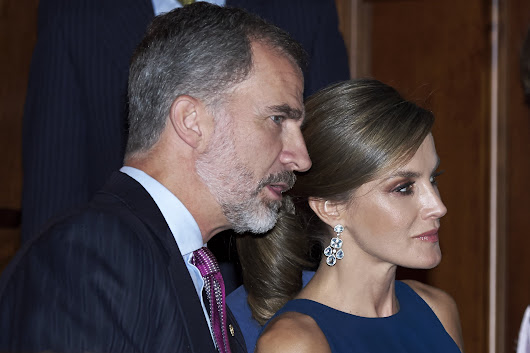 King Felipe should abdicate to solve Spain's constitutional crisis