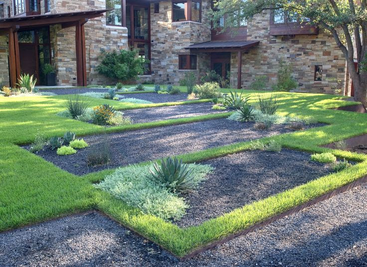 Gravel and Grass Landscape Design