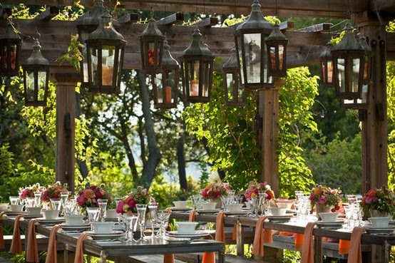 What I'm Loving Wednesday: Lavish Outdoor Receptions | A Realistic ...