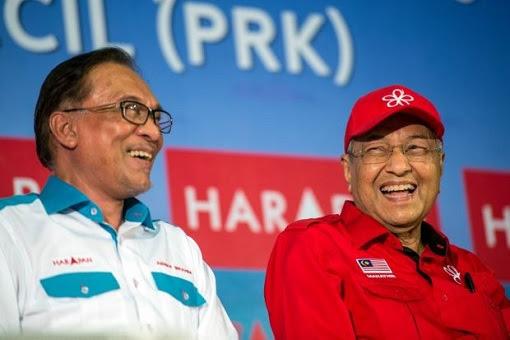 Anwar Ibrahim and Mahathir Mohamad - Laughing