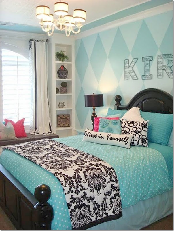 Decorating with Black and White Accents - Southern Hospitality