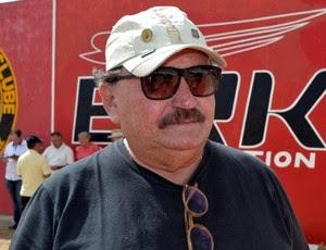 José Vanildo, presidente da FNF, esteve no Estádio Barretão (Foto: Jocaff Souza)