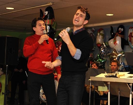Joey McIntyre performs with the Boston Pops (© Stu Rosner)